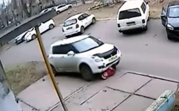 Водитель, проехавший по пенсионерке, задержан