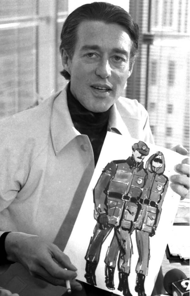 Холстон с эскизом полицейской формы, 1978