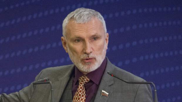 """Лидер партии """"Родина"""" обсудил с жителями Псковской области проблемы здравоохранения"""