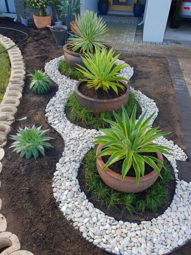 Декоративный гравий в ландшафтном дизайне. | Фото: Home Simple.