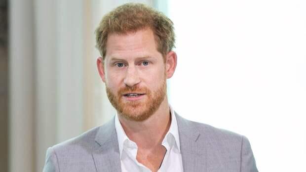 Принц Гарри отказался остаться в Британии на юбилей королевы Елизаветы II