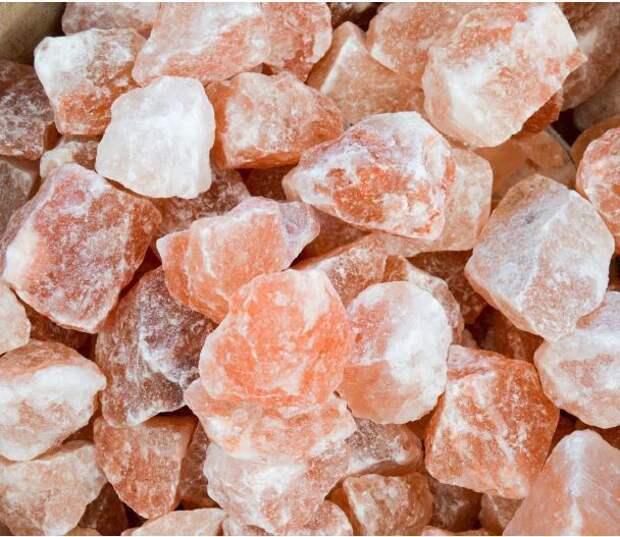 Розовая гималайская соль: с чем связан ее необычный цвет