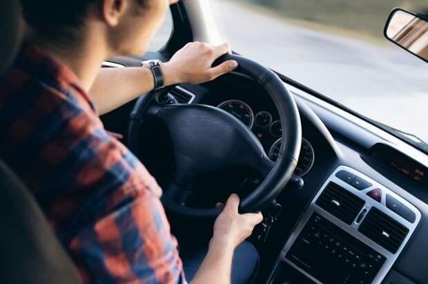 В МВД предложили разрешить управлять автомобилем с 17 лет