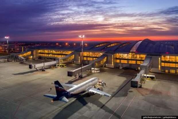 Мишустин продлил программу поддержки авиакомпаний и аэропортов