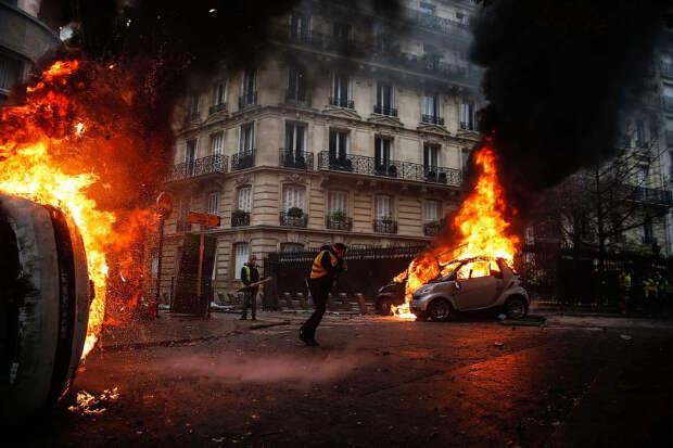 Массовые беспорядки и погромы в Париже 2018