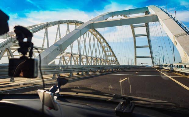 8 миллионов автомобилистов сэкономили, предпочтя Крымский мост паромной переправе