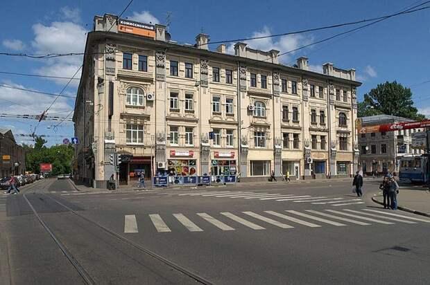 Сегодня на месте некогда стоявших в Москве Покровских ворот одноименная площадь. wikimedia / NVO