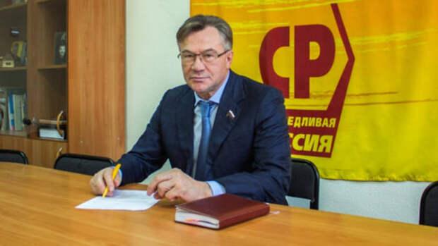 Лидер алтайских справороссов Александр Терентьев поздравил земляков с 9 Мая
