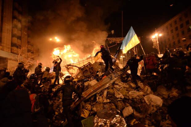 Фото сайта: ru-wiki.ru. Баррикады на улицах Киева