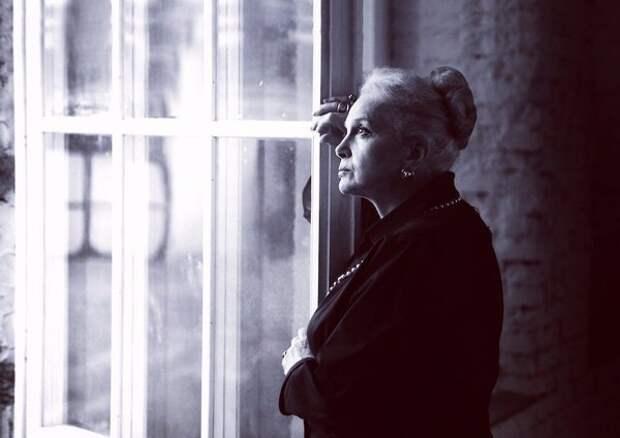 Неувядающая элегантная красота Элины Быстрицкой.