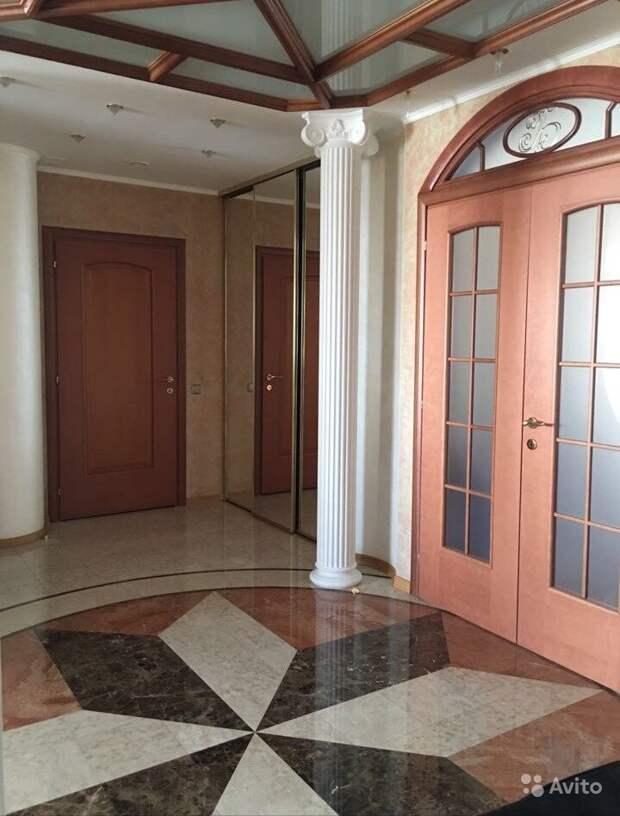 Почем в Омске продают 9-комнатную квартиру со спортзалом