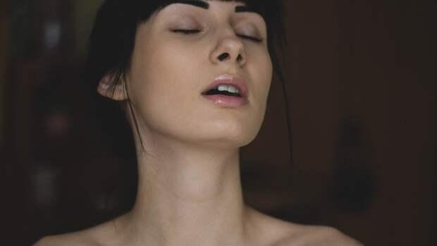 Прозрачный состав необходим для натурального макияжа