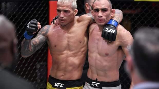 Чемпионский бой между Фигередо и Морено на UFC 256 завершился вничью
