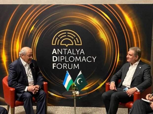 Пакистан иУзбекистан обсудили восстановление экономики Афганистана