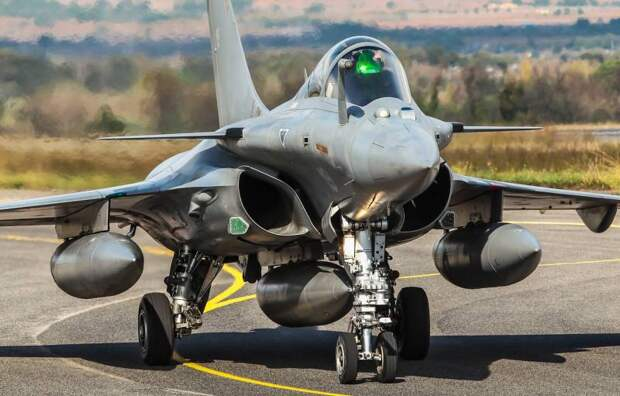 На фоне других: перспективный французский авианосец PANG и его возможности