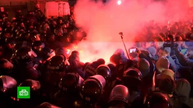 В столкновениях в Киеве пострадали 27 силовиков