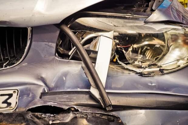 На Ленинградке столкнулись два автомобиля