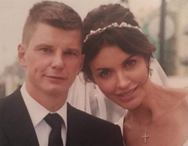Аршавин развелся с женой из-за измен