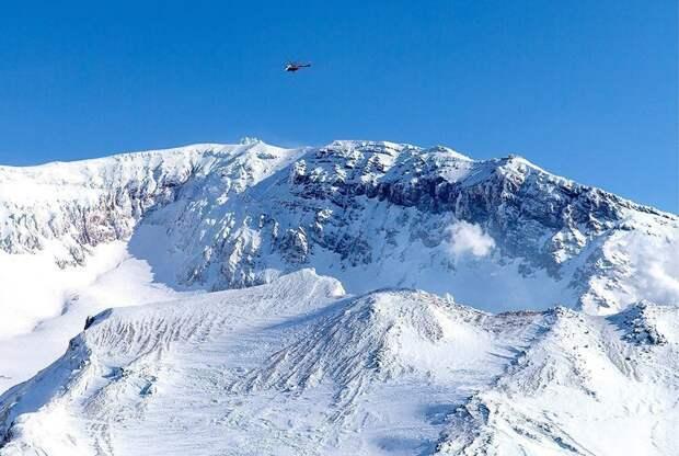 На Камчатке пропал вертолет Ми-8. На борту были два человека