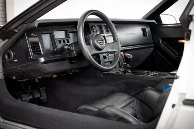 Chevrolet Corvette, установивший рекорд скорости  в 1988 году, выставлен на аукцион