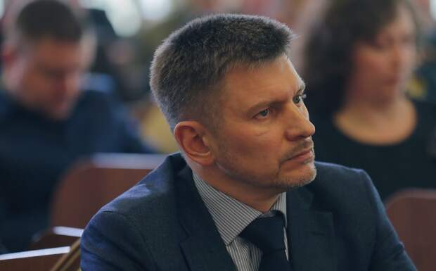 Аксенов объявил об увольнении главы минтранса Карпова