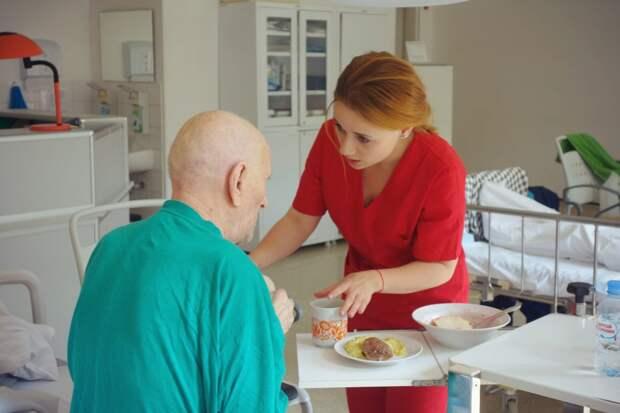 В нашем округе бесплатную помощь врачей-гериатров москвичи старше 60 лет могут получить в Госпитале для ветеранов войн №3/ Марина Сморжевская