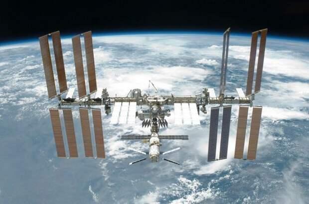 Грузовой корабль США Dragon отправился к МКС