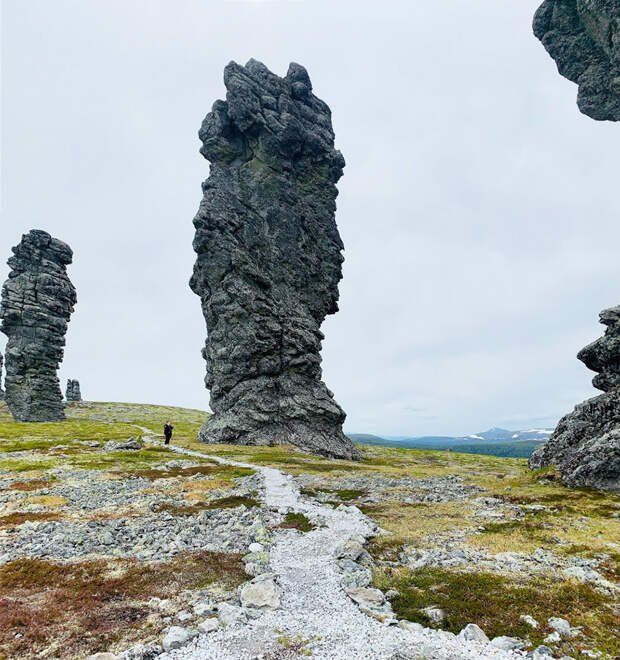Маньпупунер: загадочные каменные великаны на Урале (ФОТО)