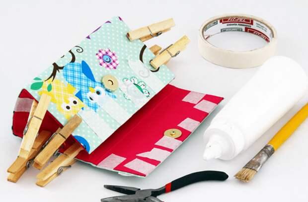Делаем удобный и красивый сумочку-клатч из бросового материала. + Видео мастер класс.