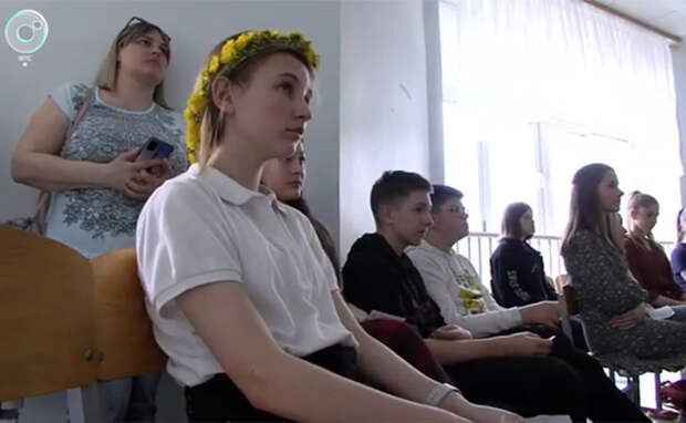 Новую Алису Селезневу искал Федор Бондарчук среди школьниц в Новосибирске