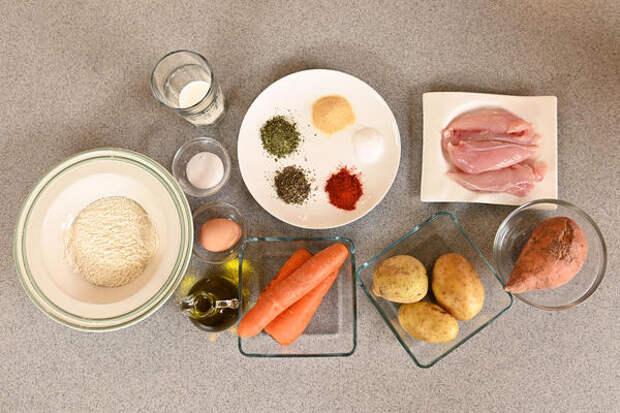 Ингредиенты для наггетсов и овощи для запекания