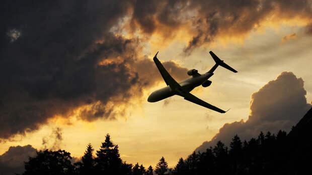 Самолет с российской делегацией час кружил в воздухе перед посадкой в Женеве