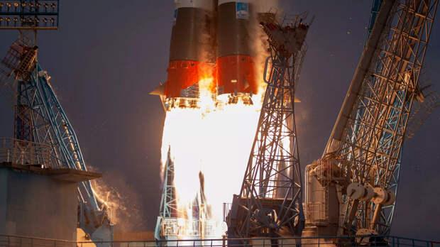 Пуск ракеты Союз-2 с 36 британскими спутниками связи с космодрома Восточный - РИА Новости, 1920, 12.06.2021