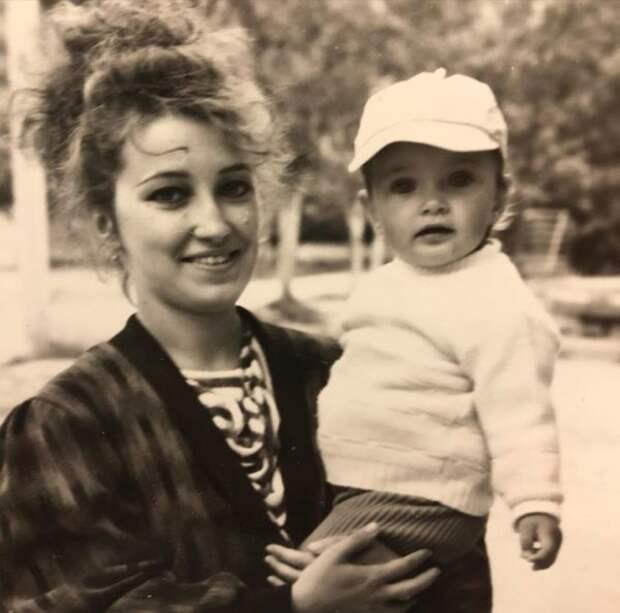 Ксения Мишина впервые показала свою маму