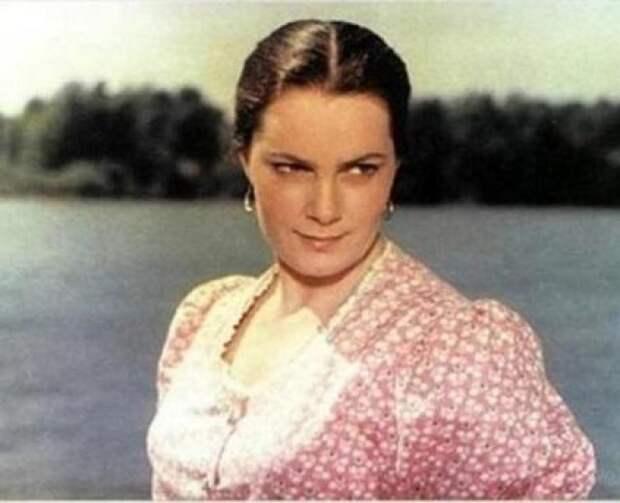 Вспоминаем самые яркие роли несравненной Элиной Быстрицкой, изображение №1