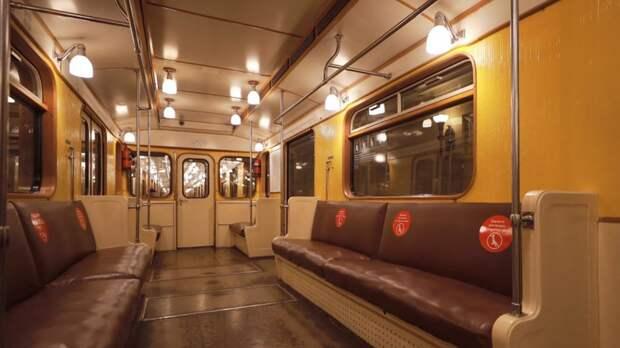 График движения московского метро был сбит из-за упавшего на рельсы гражданина