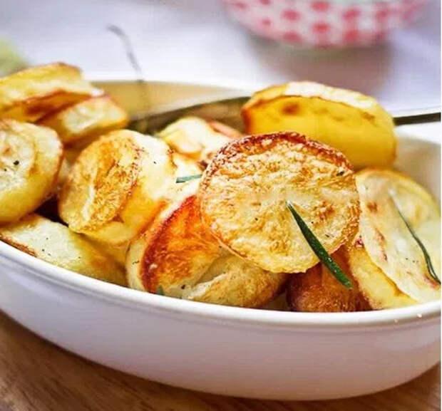 Идеальный запеченый картофель по рецепту Джейми Оливера