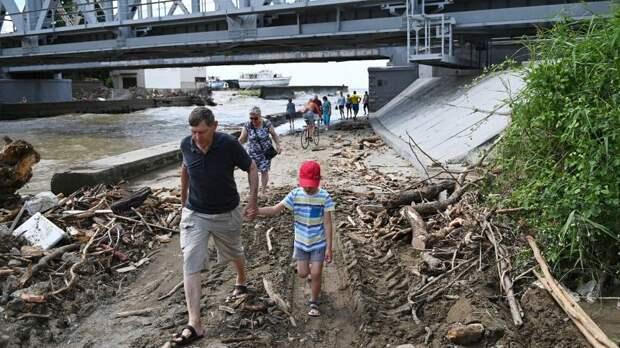 Мэр Сочи поручил устранить последствия разлива рек