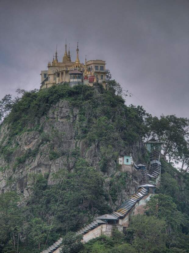 Самые недоступные монастыри мира