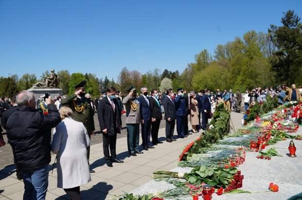 В Варшаве почтили память погибших при освобождении Польши от фашистов