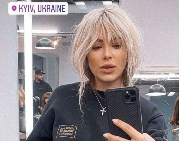 Почему ни Ани Лорак уже несколько лет живёт и работает в России