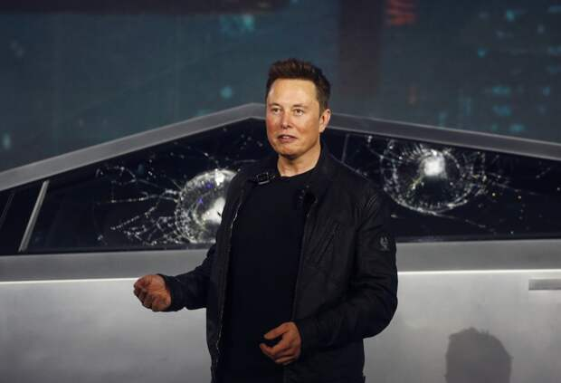 Позор и обвал акций «Теслы»: Илон Маск объяснил, почему шарики разбили бронестёкла «суперпикапа» (ФОТО, ВИДЕО)
