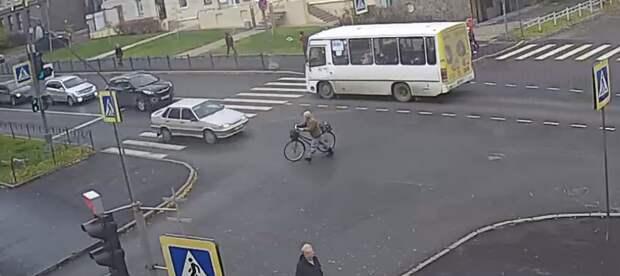 """""""Да точно не собьют!"""" 5 видов пешеходов, которые водителям нужно объезжать стороной"""