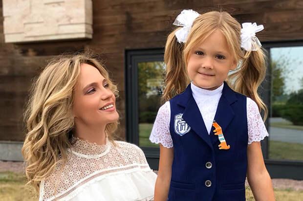 Наталья Ионова и Александр Чистяков устроили костюмированную вечеринку на восьмилетие дочери Веры