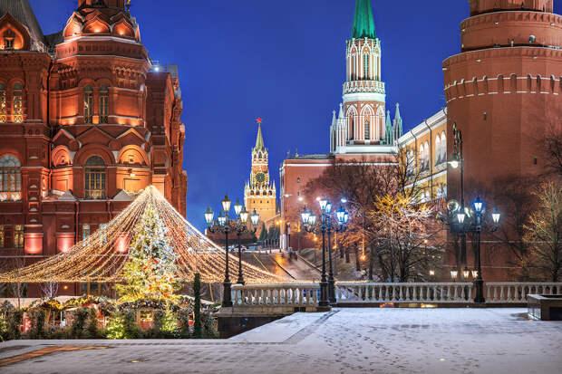 Власти Москвы ограничат доступ на Красную площадь в новогоднюю ночь