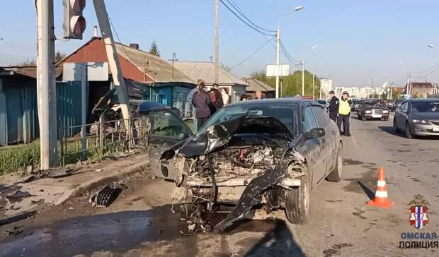 После смертельной аварии вцентре Омска навыжившего водителя завели дело