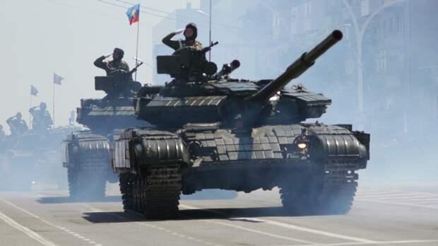 Луганская Народная Республика провела парад в честь Дня Победы