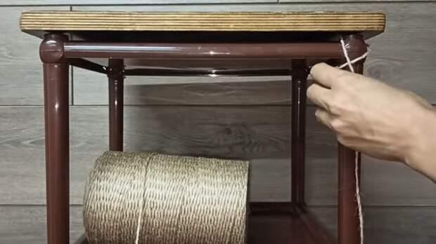 Такие полки-этажерки есть у многих. Гениальная переделка в дизайнерскую мебель