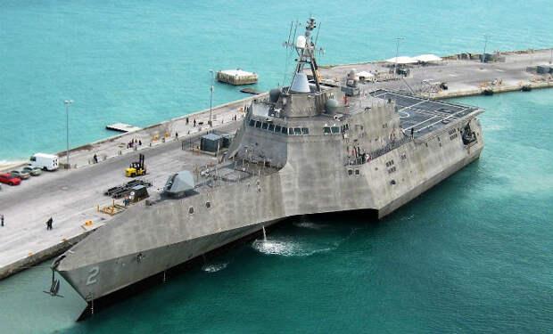 Новейший американский корабль стоил миллиарды долларов, но вместо угрозы миру стал военным позором