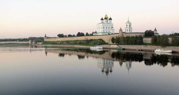 Названы лучшие муниципальные служащие Псковской области